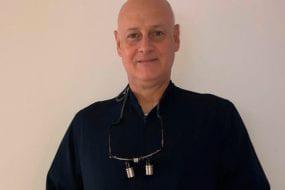 Dr. Eduardo Rego Barros Odontologia CRO- RJ 18395