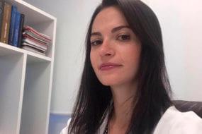 Dra. Camila Naif Cirurgiã Plástica e Geral CRM 140671